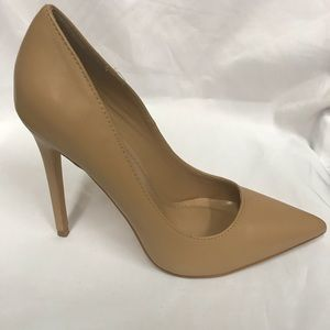 New 4.5 inches pointed heels in camel pu